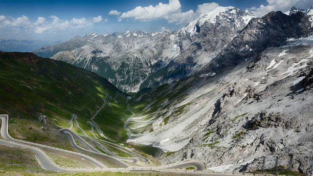 Driving the Stelvio Pass
