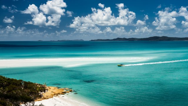 Top islands around Australia: Whitehaven Beach, Australia