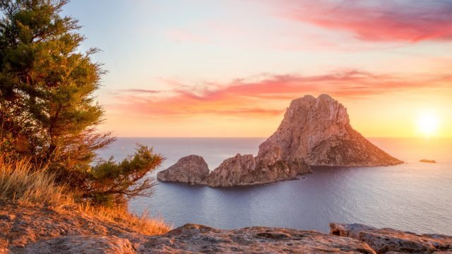Things to do Spain: Es Vedra
